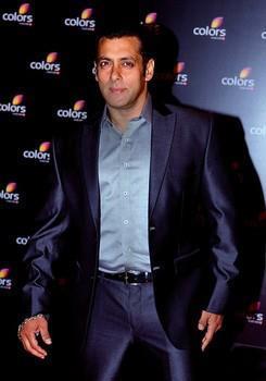 Salman Khan Dappers Look At Colors IAA Leadership Awards