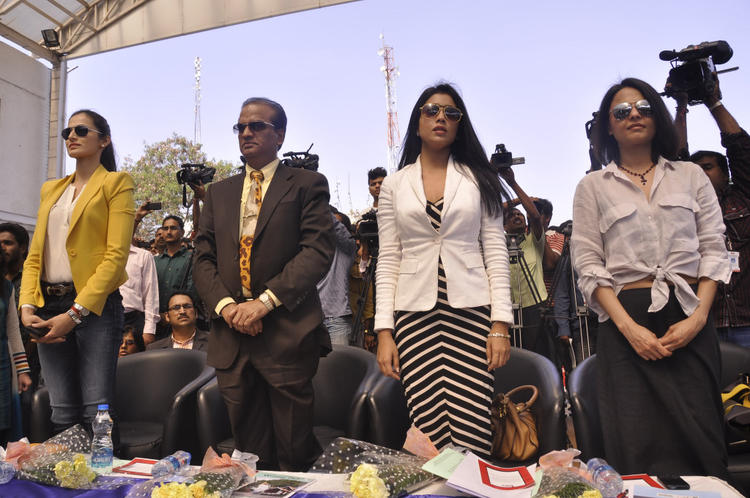 Asmita,Shilpa And Shriya Clicked At Apollo Cancer Hospitals Fashion Show
