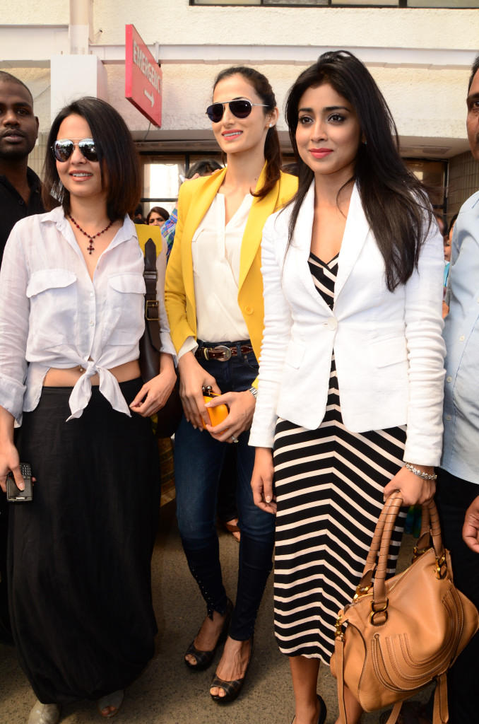 Asmita,Shilpa And Shriya Walks In For Attend Apollo Cancer Hospitals Fashion Show