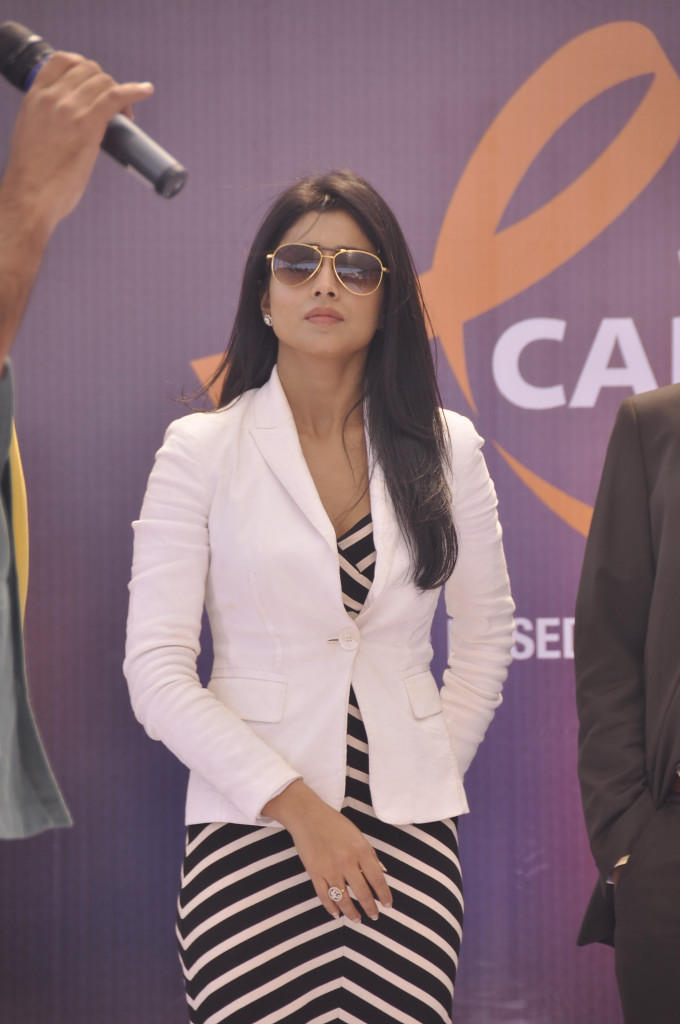 Shriya Saran Posed For Camera At Apollo Cancer Hospitals Fashion Show
