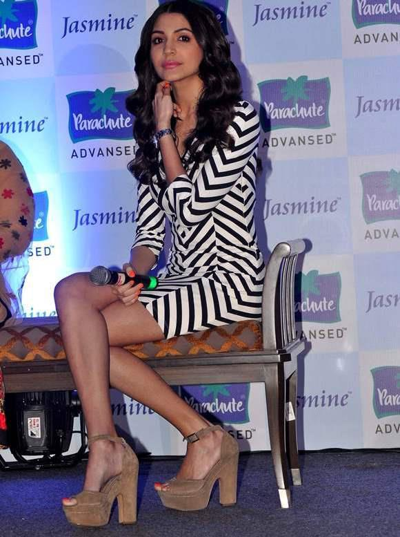 Anushka Sharma Sexy Look At Parachute Advansed Oil Event