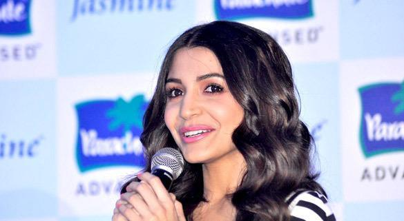 Anushka Sharma Speaks In At Parachute Advansed Oil Event
