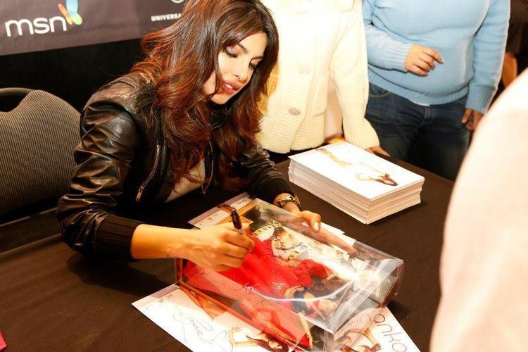 Priyanka Chopra Dazzles At Bramalea City Center
