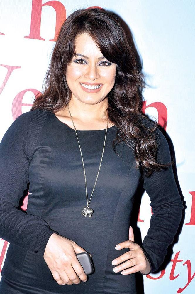 Mahima Chaudhary Flashes Smile At Anuradha Sawhney Vegan Book Launch Event