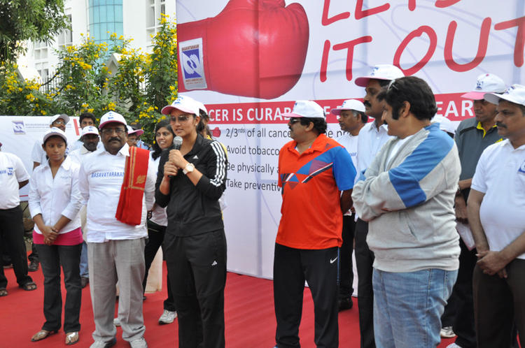 Sania Speaking Still And Balakrishna Looks On At Cancer Awareness 2013 Event