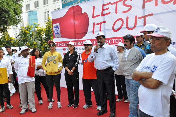 Sania,Balakrishna And Lakshmi Posed For Camera At Cancer Awareness 2013 Event