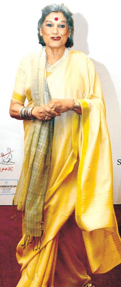 Dolly Thakore Posed For Camera At Fourth Edition Of The Laadli National Media Awards 2013