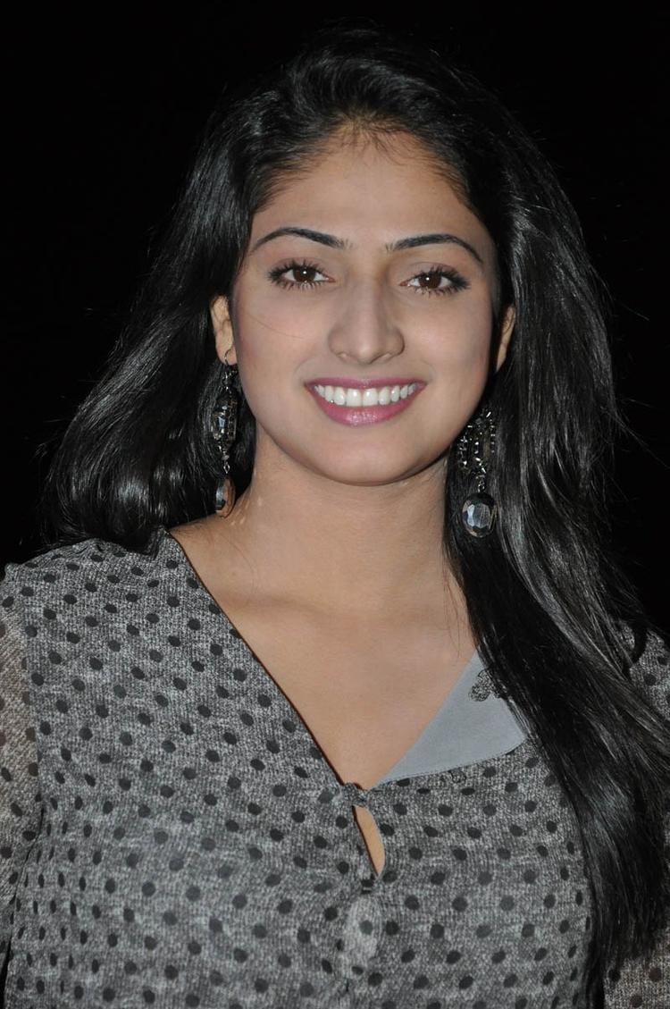 Haripriya Smiling Still At Abbai Class Ammai Mass Audio Launch Function