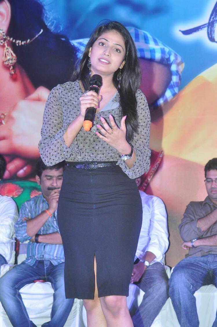 Haripriya Speaking Still At Abbai Class Ammai Mass Audio Launch Function