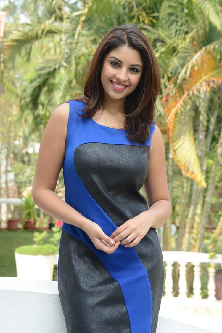 Richa Gangopadhyay Trendy Look Still