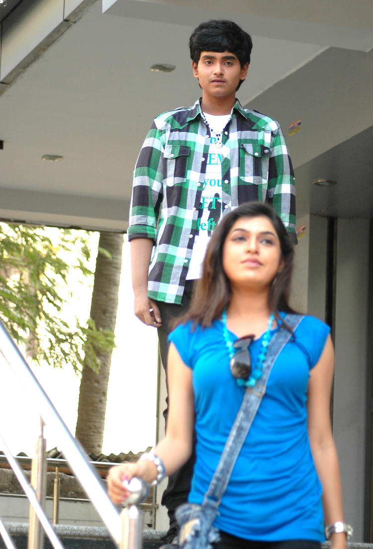 Supreme And Bhavani A Still From Boyfriend Telugu Movie