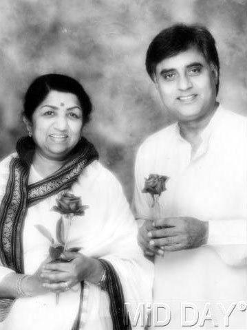 Jagjit Singh With Lata Mangeshkar Rare Photo Still