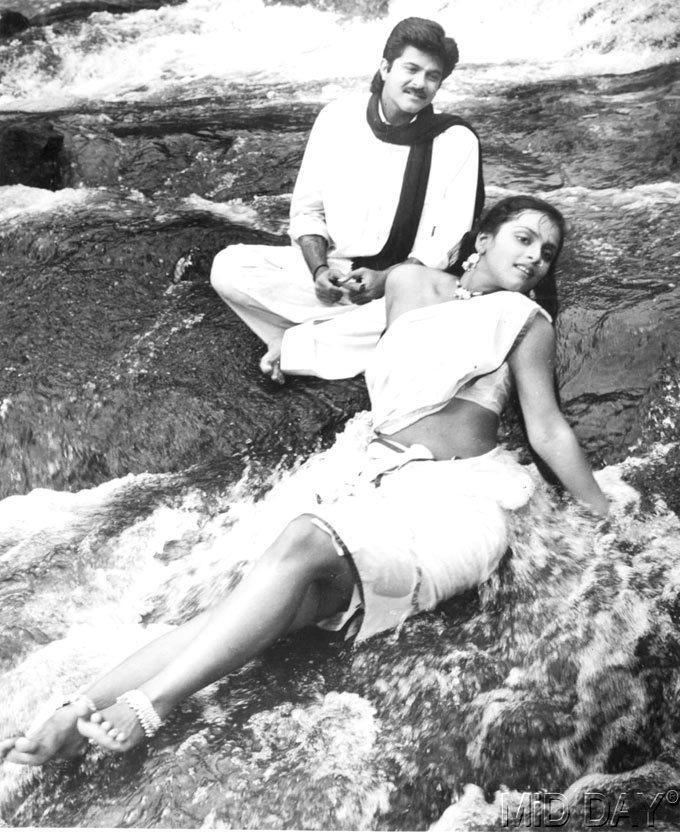 Shilpa Shirodkar And Anil Kapoor Hot Look Still From Kishen Kanhaiya Movie