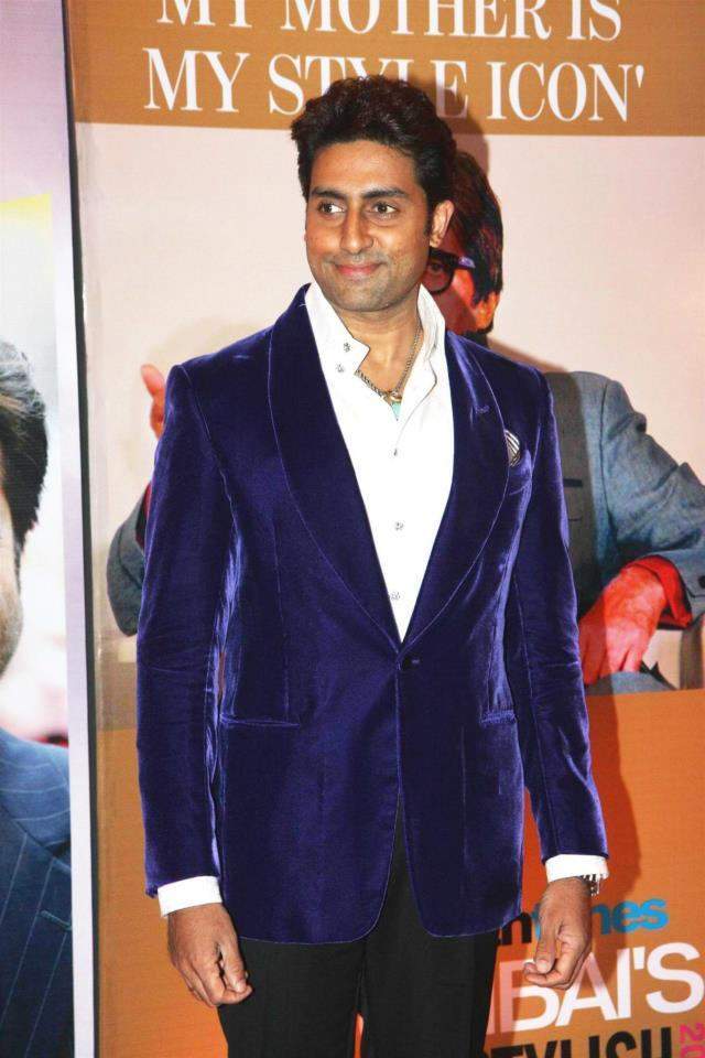 Abhisek Snapped In A Chick Blue Suit At The Hindustan Times Style Award 2013
