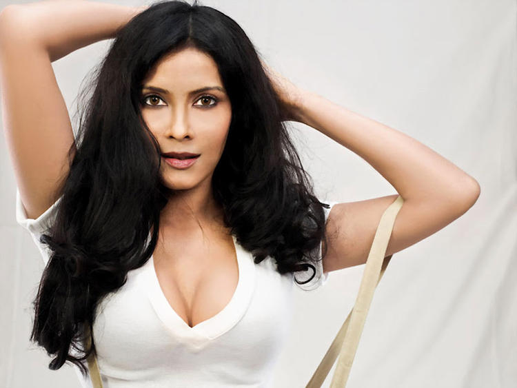Nandana Sen Completed Her Look With Flowing Hair Still