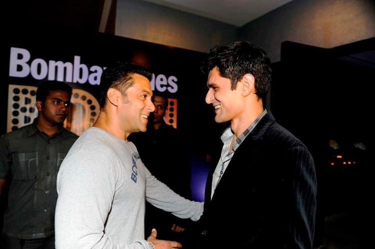 Salman Cool Chatting With Niketan At Bombay Times 18th Anniversary Bash 2013