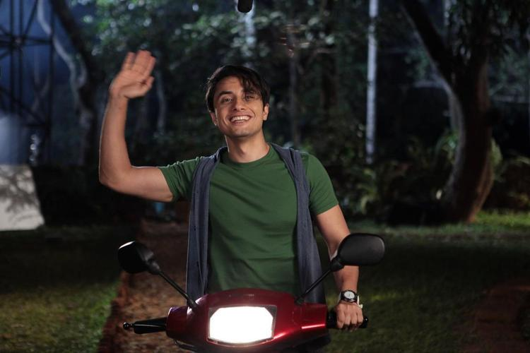 Ali Zafar Waves His Hands Cool Still From Chashme Baddoor Movie