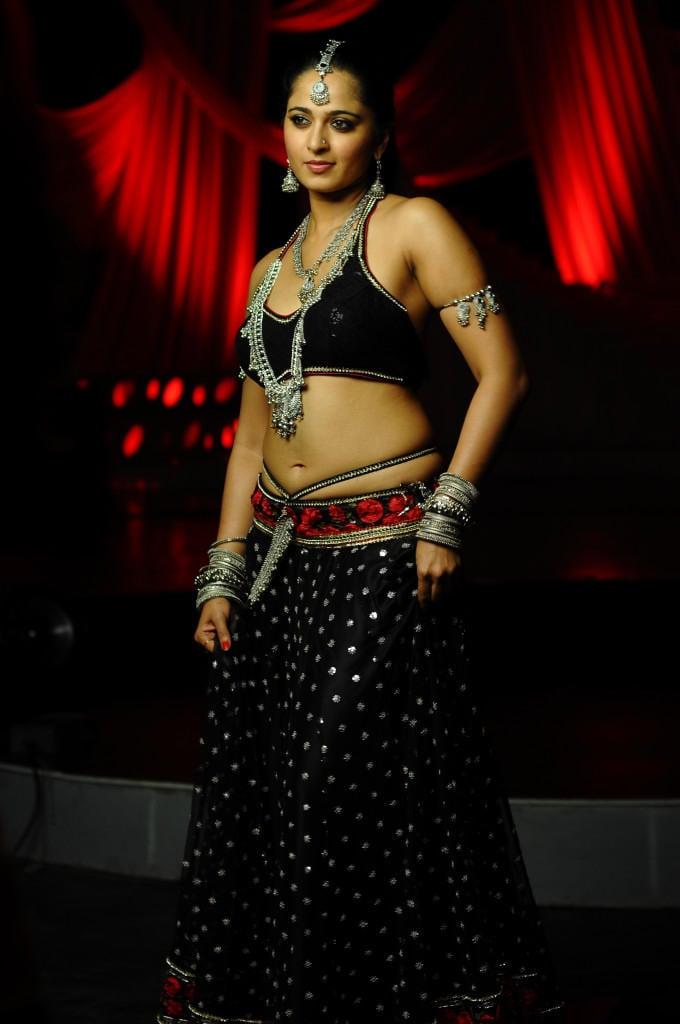 Anushka Shetty Charming Look Photo Still
