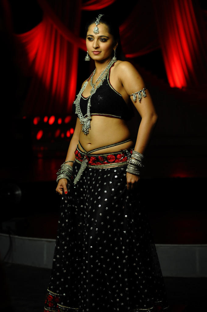 Anushka Shetty Hot Expressions Photo Still