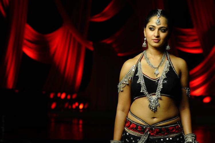 Anushka Shetty Spicy Look Photo Still