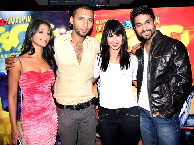 Mohena,Punit,Lauren And Salman Posed For Camera At Any Body Can Dance Success Bash