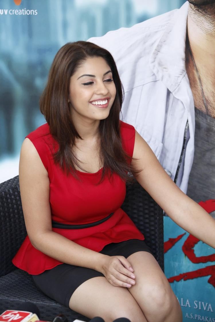 Richa Gangopadhyay In Red Dress Cool Smiling At Mirchi Movie Success Meet