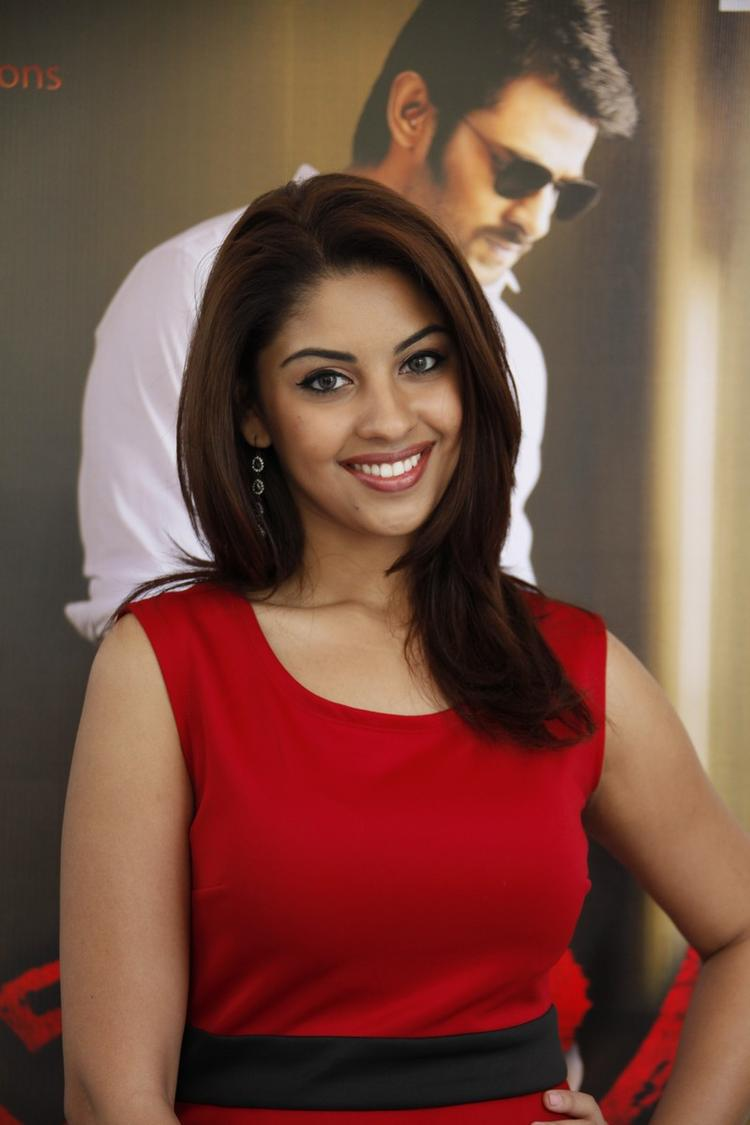 Richa Gangopadhyay In Red Dress Gorgeous At Mirchi Movie Success Meet