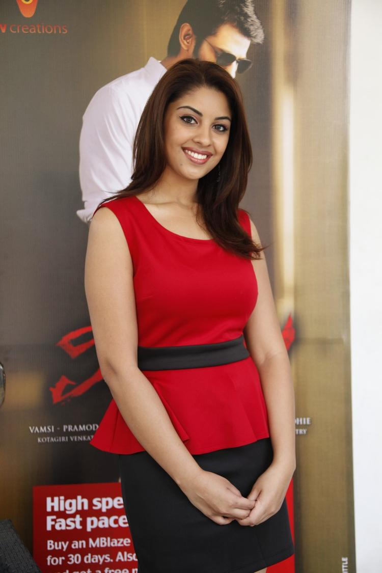 Richa Gangopadhyay In Red Dress Nice Look At Mirchi Movie Success Meet