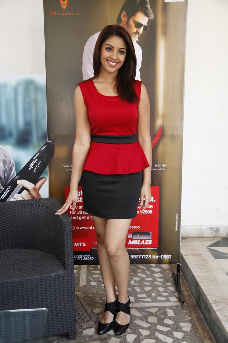 Richa Gangopadhyay In Red Dress Sexy Look At Mirchi Movie Success Meet