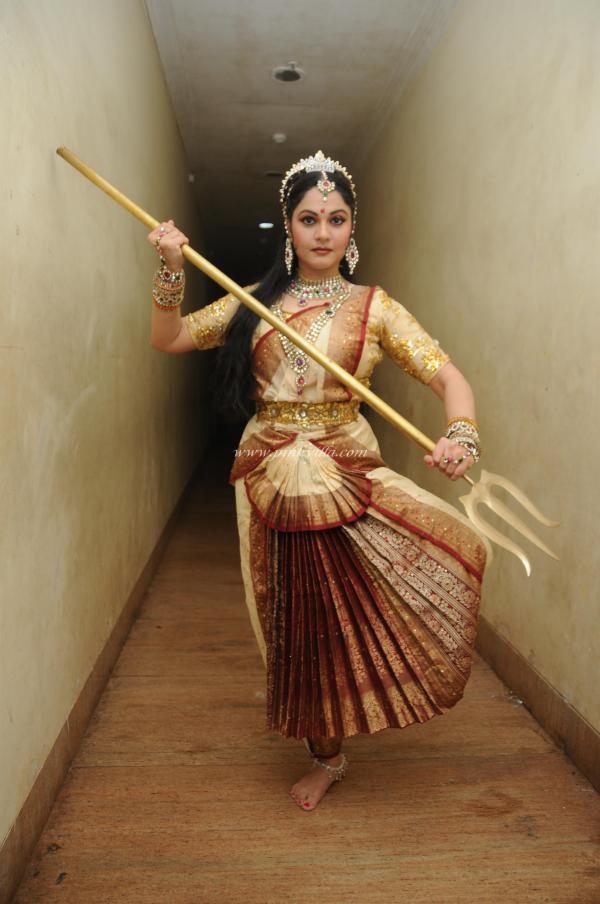 Gracy Singh Shakes Her Legs At Ravindra Natya Mandir