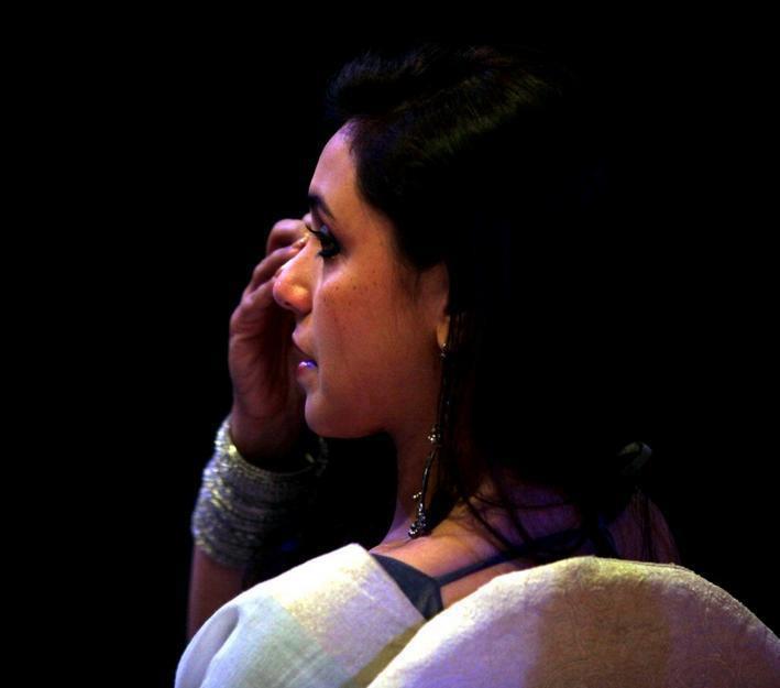 Rani Mukerji Became Emotional At Yash Chopra Statue Unveiled Event