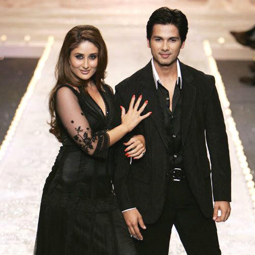 Shahid Kapoor And Kareena Kapoor Walk On Ramp At A Fashion Show Event