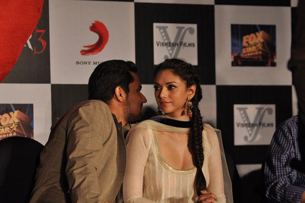 Randeep And Aditi Cool Gossip Still At Grand Success Party Of Murder 3 Music