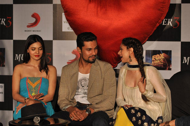 Randeep Chatting With Aditi And Sara Looks On At Grand Success Party Of Murder 3 Music
