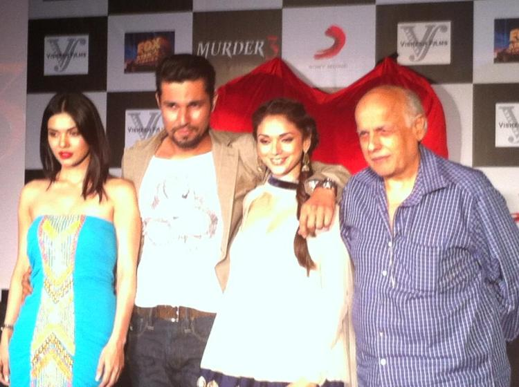 Sara,Randeep,Aditi And Mahesh Clicked During The Murder 3 Music Success Party