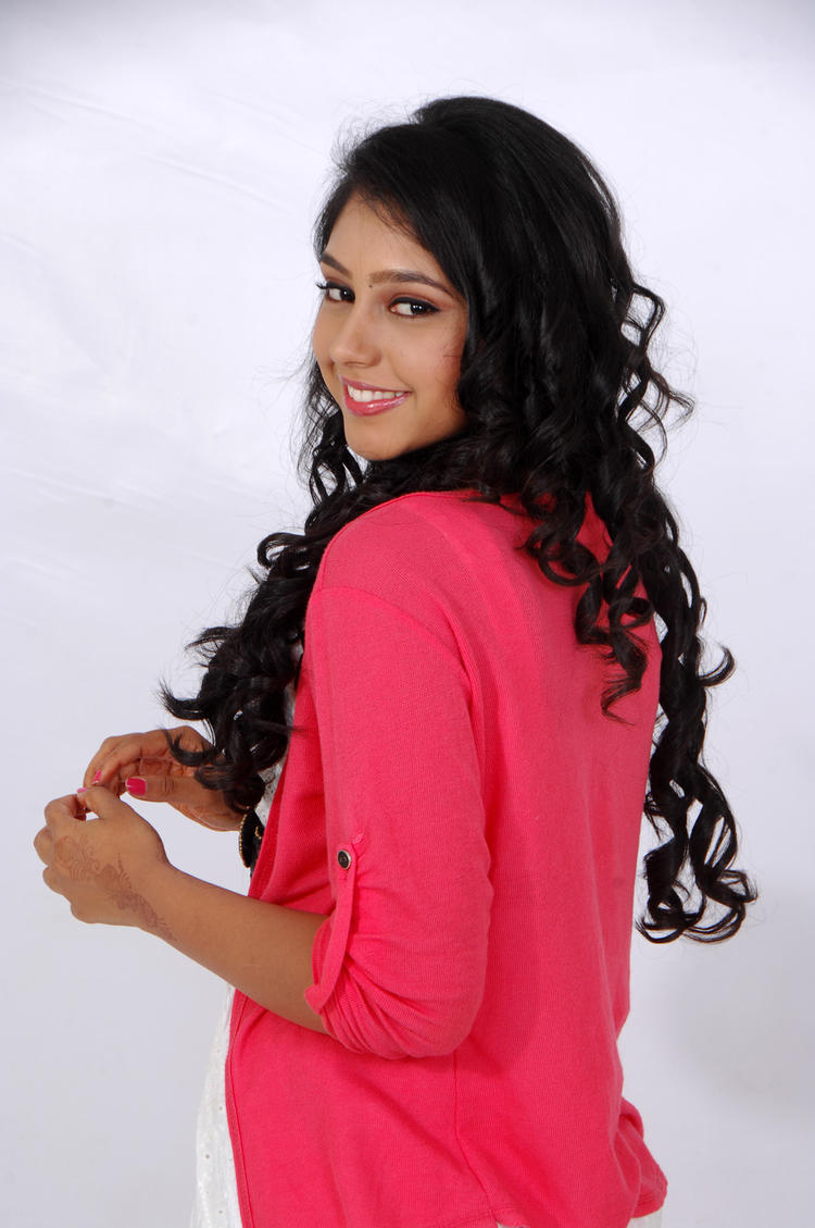 Niti Taylor Charming Look Photo Still From Movie Love Dot Com