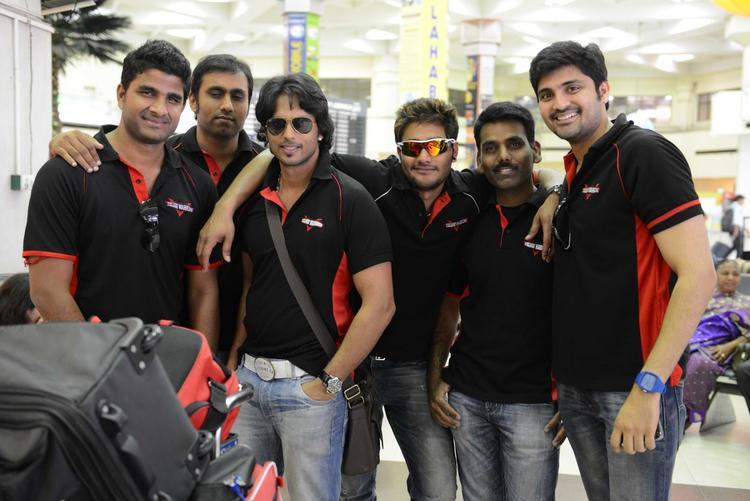Aadarsh,Samrat And Prince Posed For Camera At Netaji Subhash Chanra Airport
