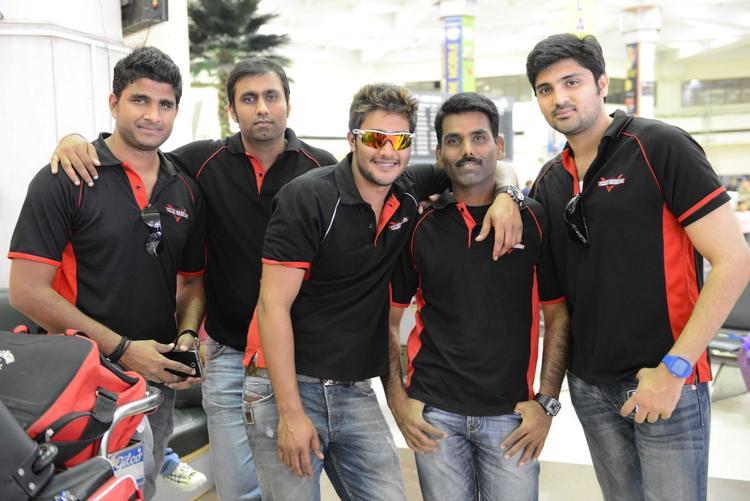 Samrat And Prince In Telugu Warrior Jurssey At Netaji Subhash Chanra Airport