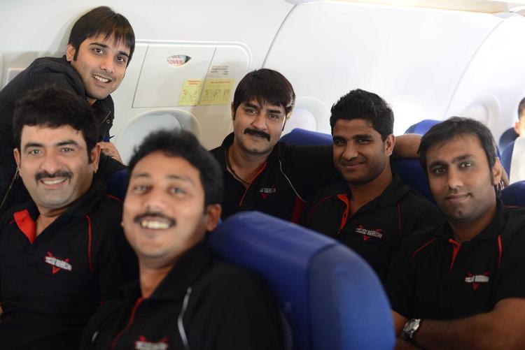 Tarun,Srikanth,Nandakishore With Friends Snapped At Netaji Subhash Chanra Airport