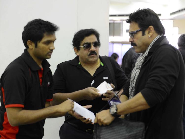 Venkatesh With Team Members Snapped At Netaji Subhash Chanra Airport