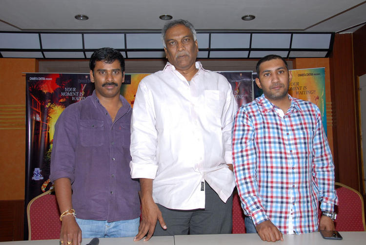 Suresh And Tammareddy Posed For Camera At Tamili Movie Pizza Press Meet