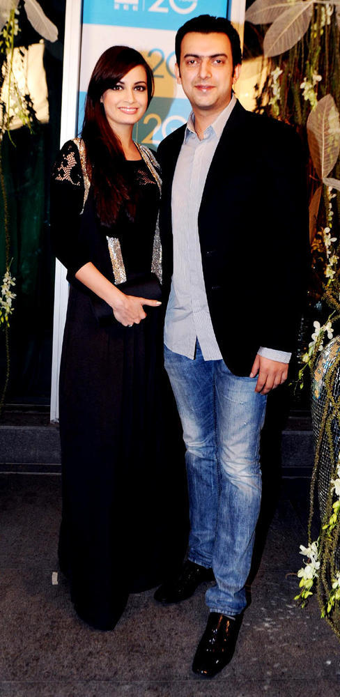 Dia With Hubby Sahil A Cosy Pose At 20th Anniversary Bash Of ZEE TV