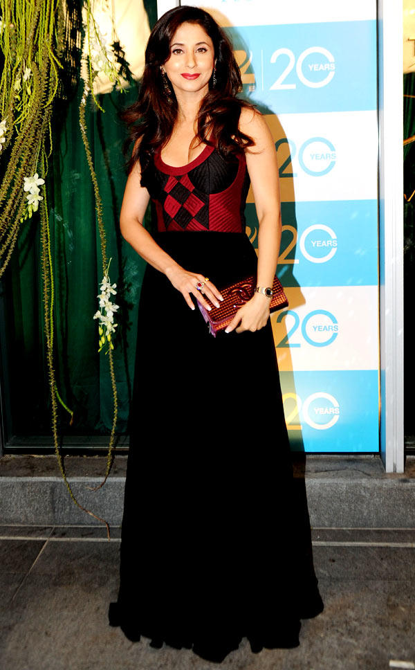 Urmila Strikes A Pose At 20th Anniversary Bash Of ZEE TV