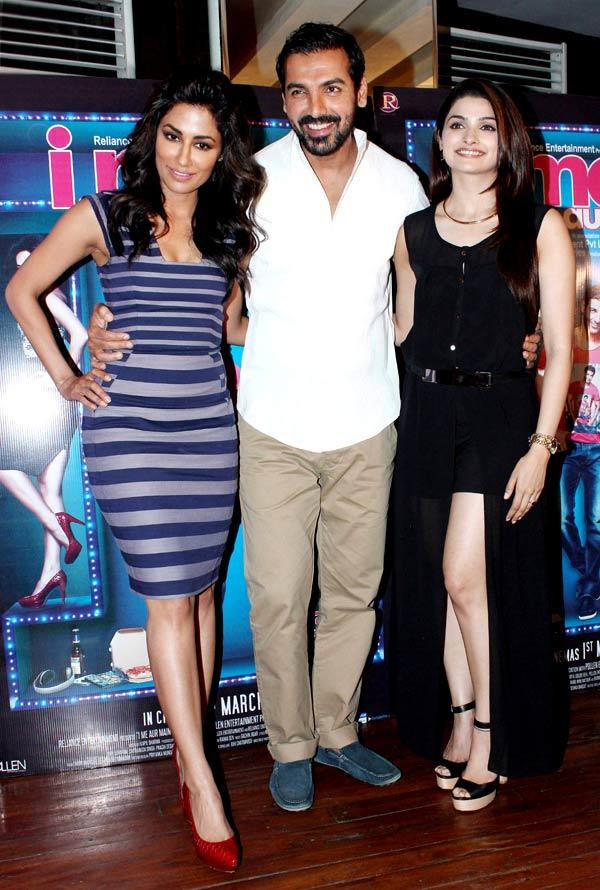 Chitrangada,John And Prachi Posed For Camera At I Me Aur Main Movie Press Meet