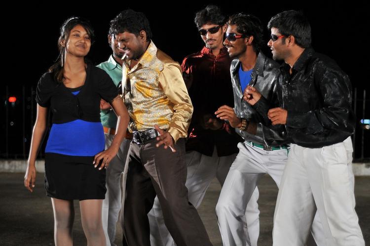 Thagubothu Commeddy Scene Photo Still At Athadu Ame O Scoter Movie Location