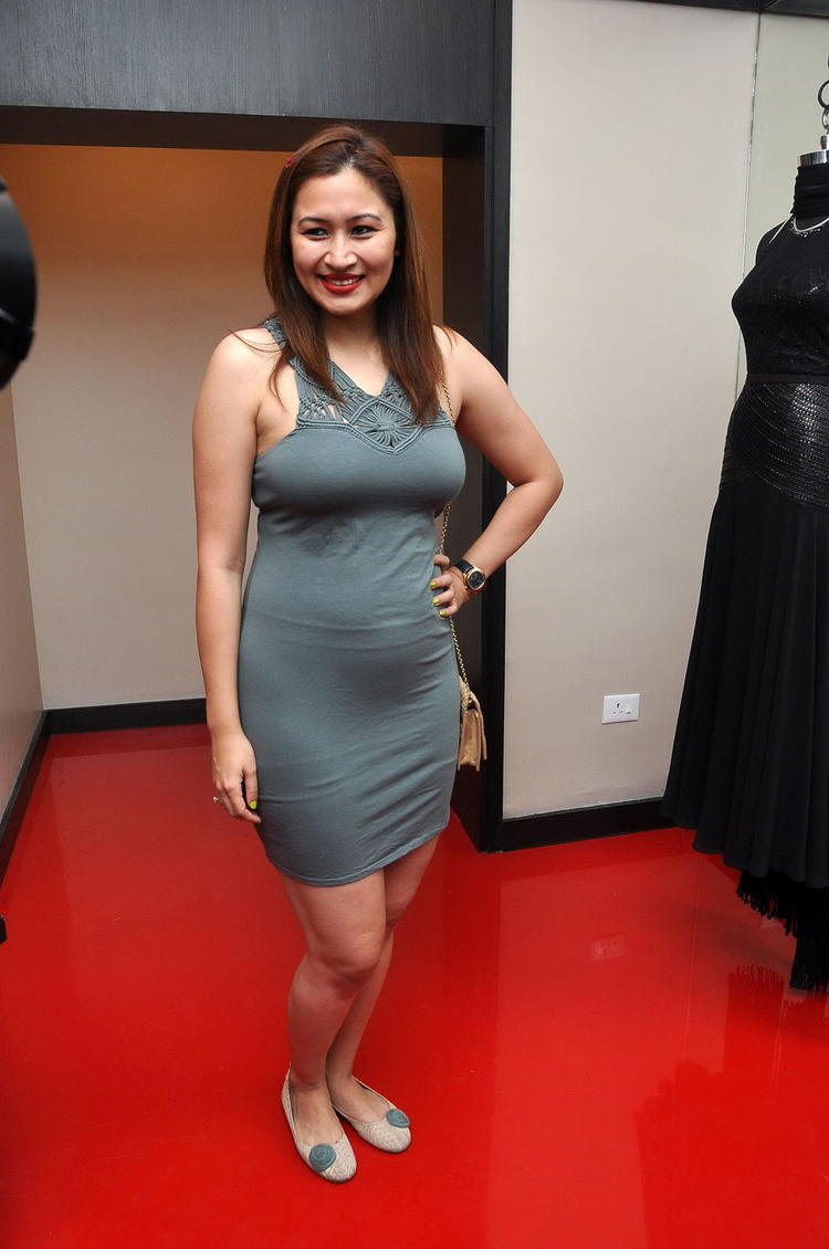 Jwala Gutta Stunning Look Photo Still On Red Carpet