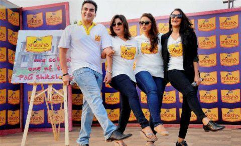 Arbaaz,Neha,Farah And Huma Strike A Dance Pose At The Walk For The Love Of Shiksha In Mumbai