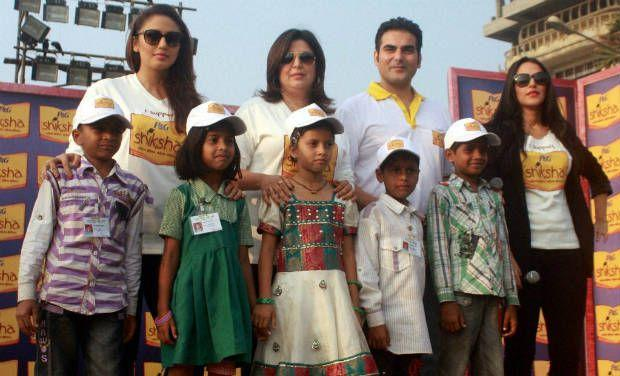 Huma,Farah,Arbaaz And Neha With The Children Posed For Photo At The Walk For The Love Of Shiksha