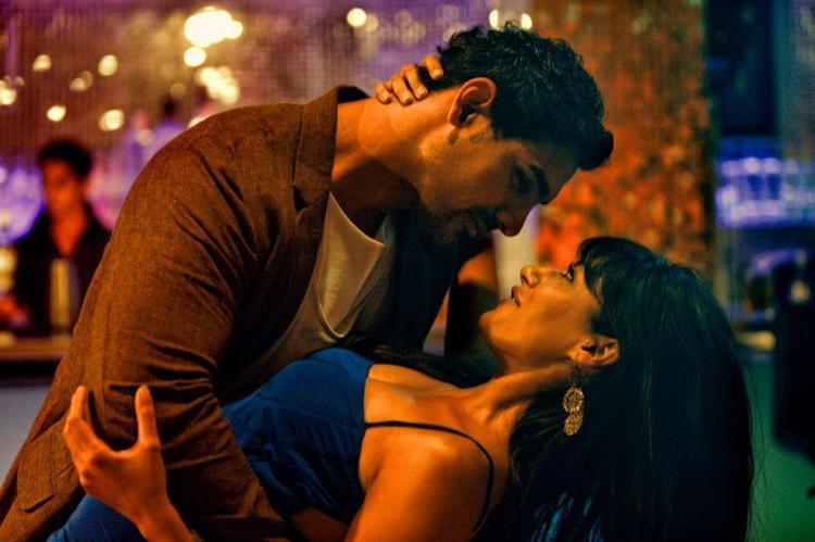 John And Chitrangda Romance Photo Still From Movie I, Me Aur Main