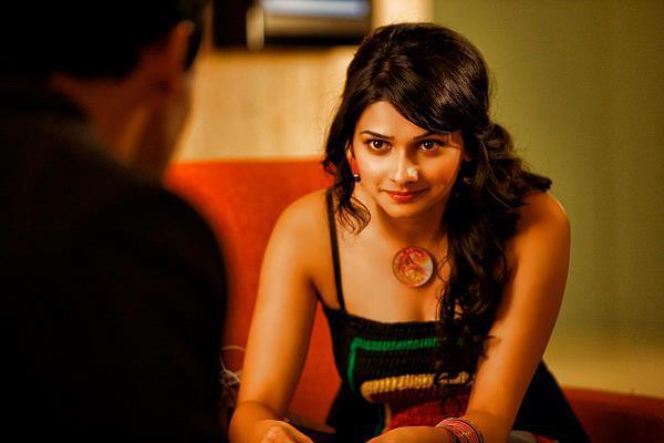 Prachi Sexy Look Photo Still From Movie I, Me Aur Main